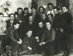 Вхутеин. Фёдор Семёнов-Амурский стоит третий справа. 1928 (?)